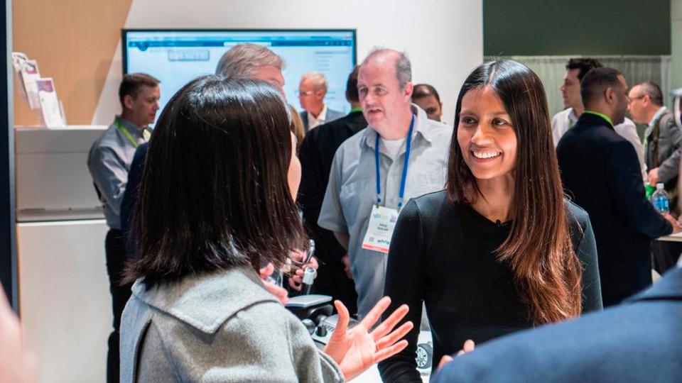 Asha Sumputh sur le stand Dassault Systèmes au CES 2018
